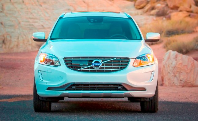 2015 volvo xc60 t6 e-drive front grille