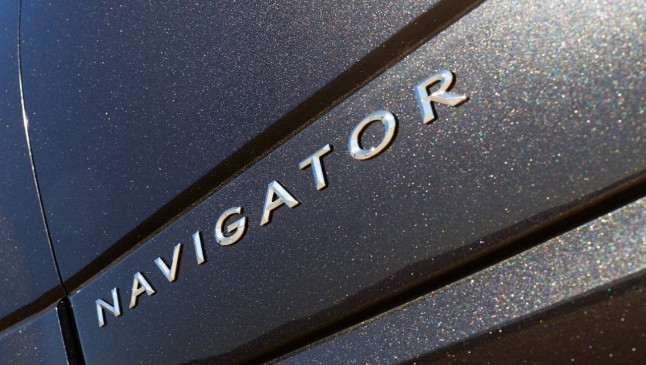 2015 Lincoln Navigator Badge