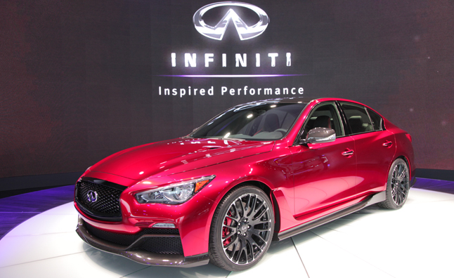 Infiniti Q50 Eau Rouge Video, First Look