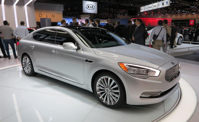 Kia K900 May be First of Many Alphanumeric Nameplates