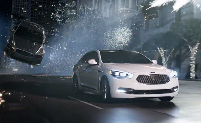 Kia K900 Stars in Matrix-Themed Super Bowl Commercial