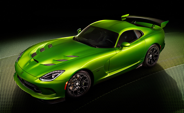 SRT Viper Goes Green With Envy Before Detroit