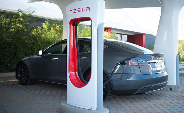 Tesla Supercharger Network Reaches NY to LA