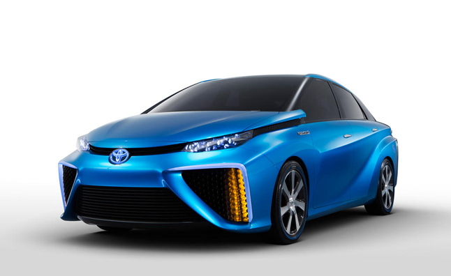 Toyota Fuel Cell Vehicle Could be Used as Home Power Source