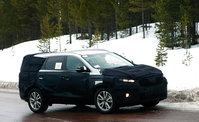 Kia Sorento Spied Testing in the Cold