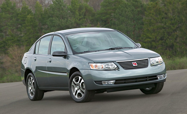 2005-Saturn-Ion-Sedan-Image-03