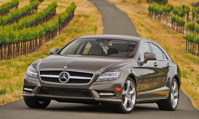 2013-Mercedes-Benz-CLS550-4Matic-photos