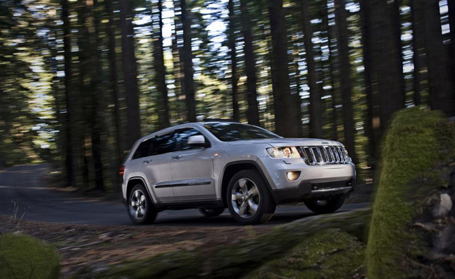 Chrysler Recalling 25K SUVs over Brake Issues