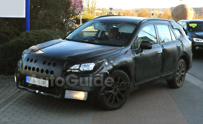 2015 Subaru Outback Spy Photos
