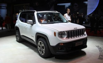 2015 Jeep Renegade Video, First Look