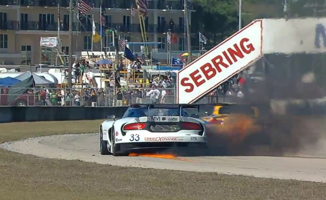 Watch an SRT Viper Race Car Burn to the Ground