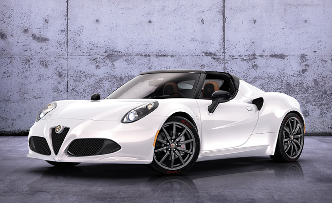 Alfa Romeo 4C Spider Doesn't Have Ugly Headlights