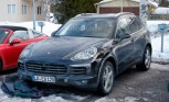 Porsche Cayenne Facelift Revealed in Spy Photos