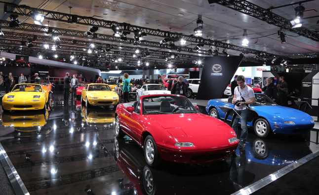 mazda display nyias