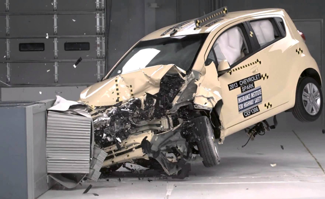 Car Crashes Cost US Economy Almost a Trillion Dollars a Year