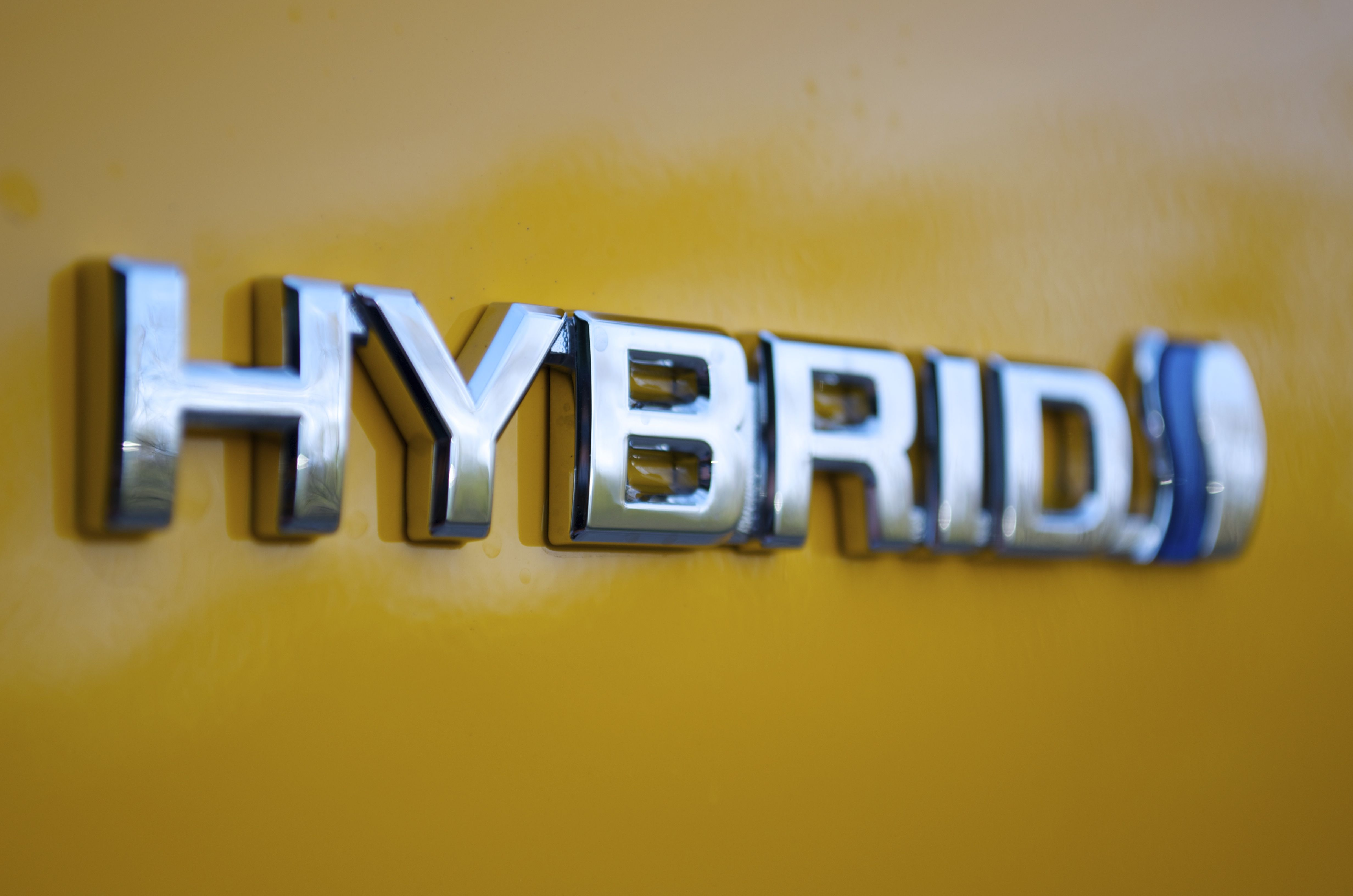Toyota to Boost Hybrid Efficiency 10% With New Chips