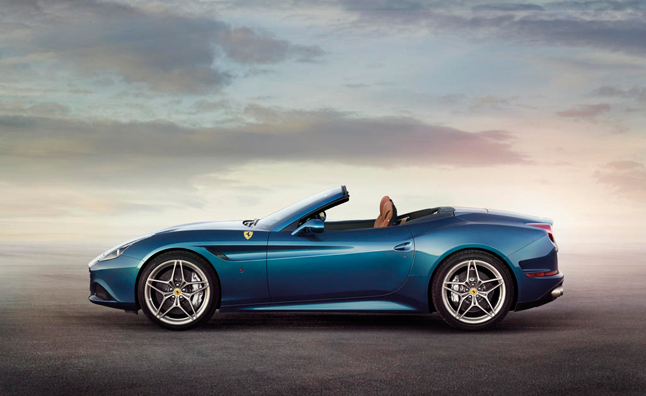 2014-Ferrari-California-T