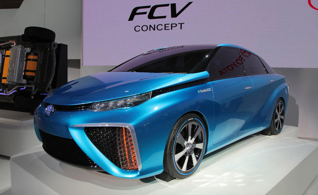 Toyota Fuel Cell Vehicles to Arrive by End of 2014
