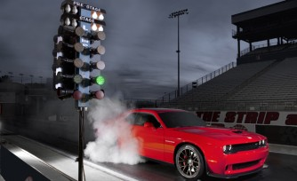 2015 Dodge Challenger Hellcat Runs 10.8-Second 1/4 Mile