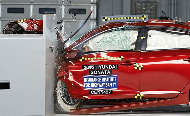 2015 Hyundai Sonata Earns IIHS Top Safety Pick Plus