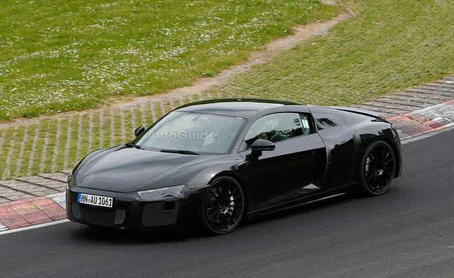 2016-audi-r8-spy-photos-02