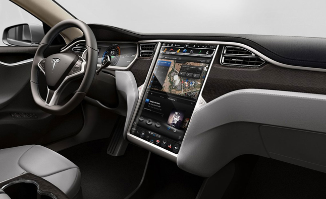 Tesla Hacking Competition Returns Anticlimactic Results
