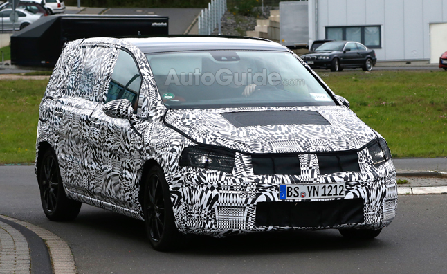 Volkswagen Touran Spied, Could be US Bound