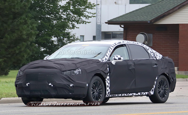 2016-ford-fusion-spy-photo
