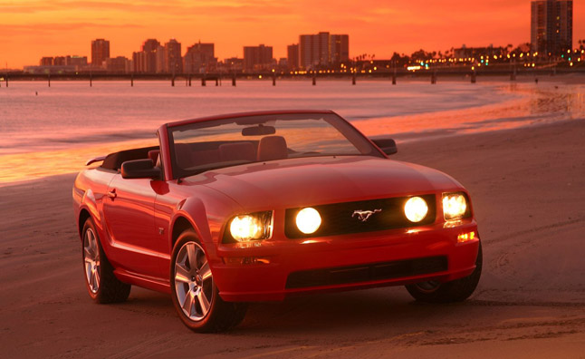 Ford-Mustang_GT_Convertible