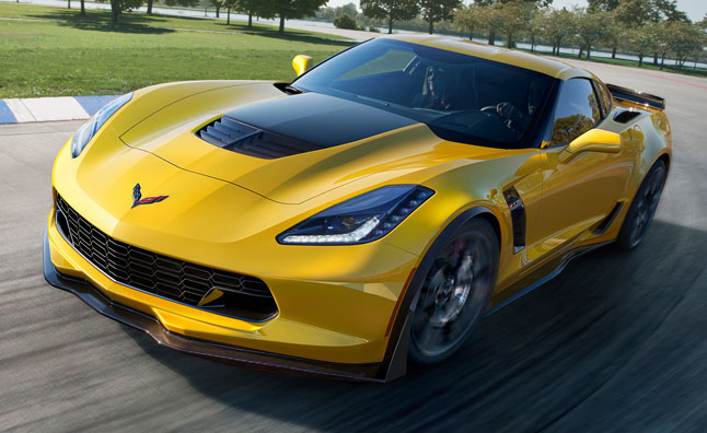 2015 Chevy Corvette Z06 Tears Up the 'Ring