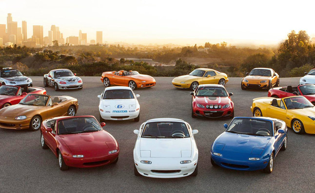 Watch the Debut of the 2016 Mazda MX-5 Miata Live