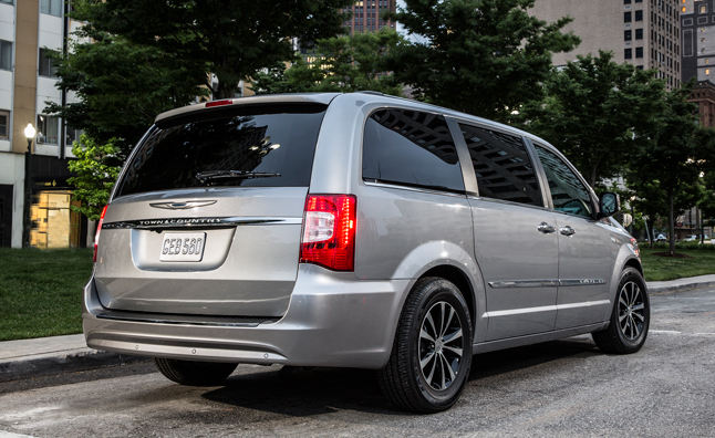 New Chrysler Minivan to be 'Stunning' Says CEO