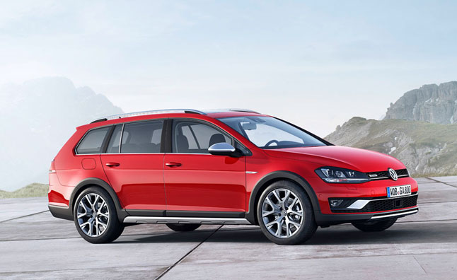 Volkswagen Golf Alltrack Heads for Paris Debut
