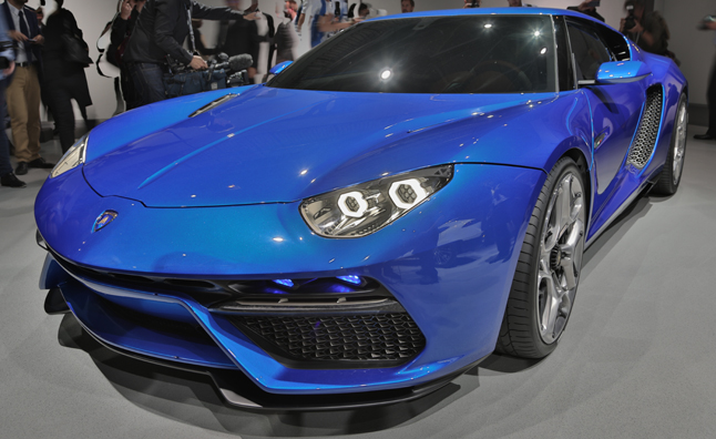 Lamborghini Asterion Makes 910 HP, Gets 56 MPG