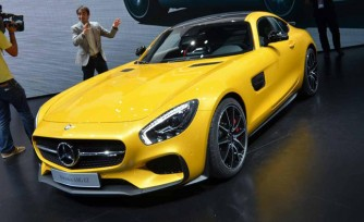 2016 Mercedes-Benz AMG GT Video, First Look