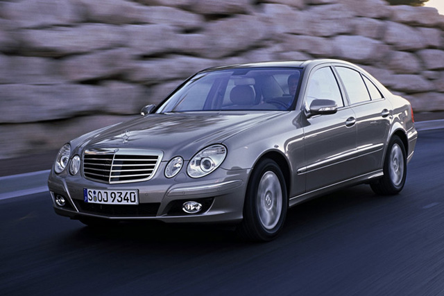 Nhtsa investigating mercedes e class for airbags that fail for 2005 mercedes benz e350