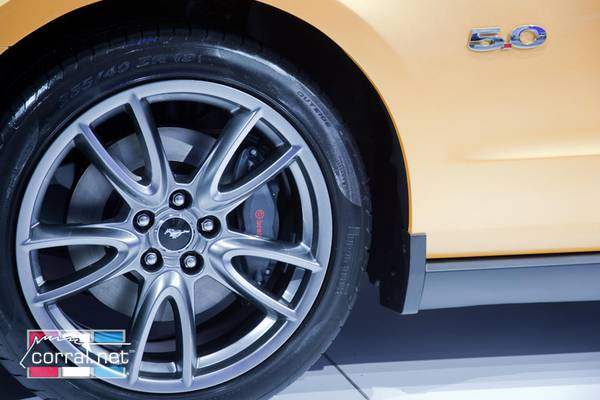 ford mustang gt optional brembo package selling  hotcakes autoguidecom news