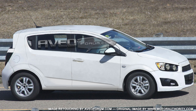 white chevy aveo with Photoshop Reveals 2011 Chevy Aveo Behind The Camo on Llega Chevrolet Cavalier 2018 Con Transmision Manual further 2007 likewise 37qo5 Looking Wiring Diagram Pin Outs Audio System furthermore Sparkbeat2018 likewise Photoshop Reveals 2011 Chevy Aveo Behind The Camo.