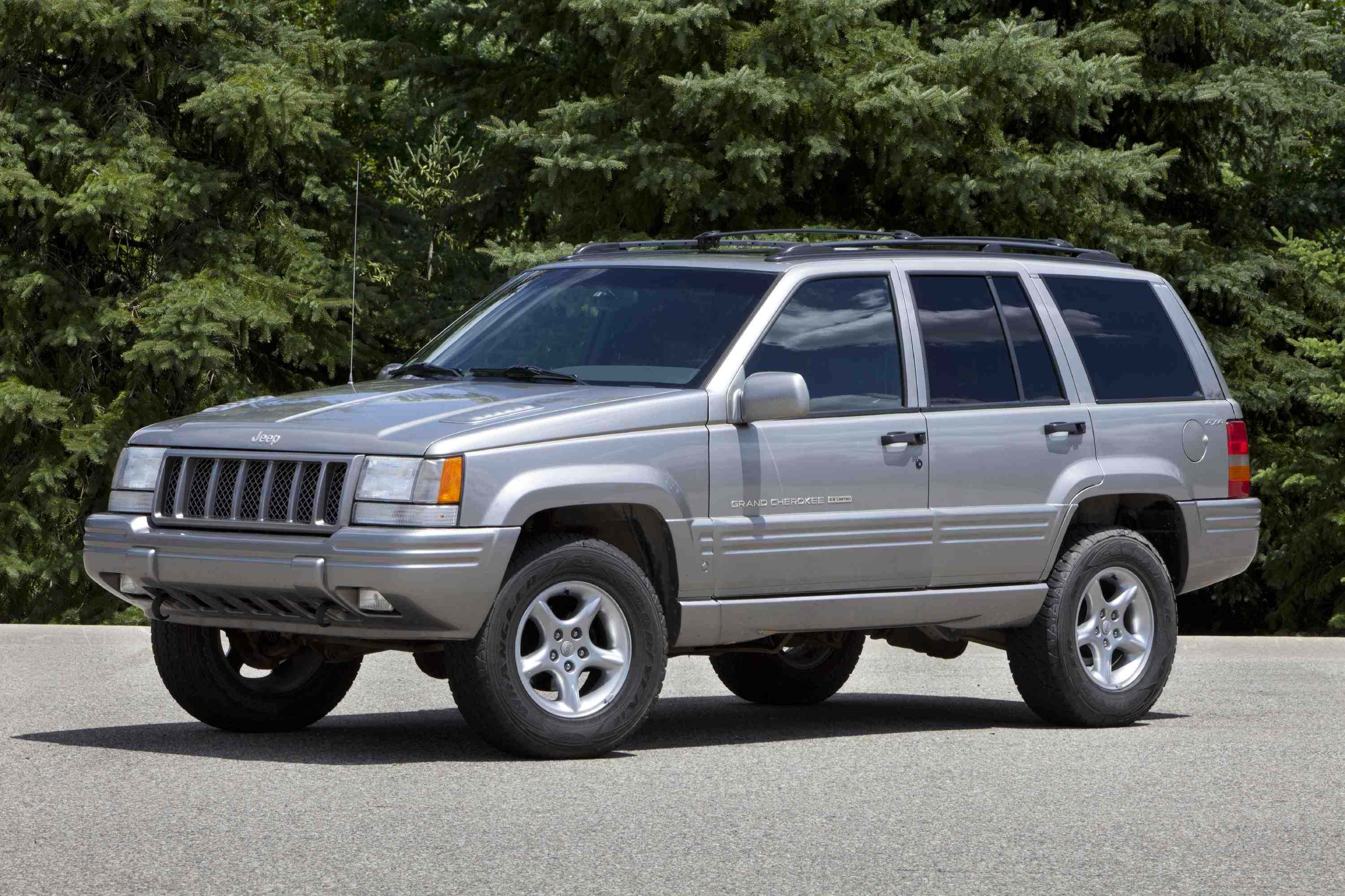 1998 jeep grand cherokee first generation grand cherokee 1992 1998 on the zj platform. Black Bedroom Furniture Sets. Home Design Ideas