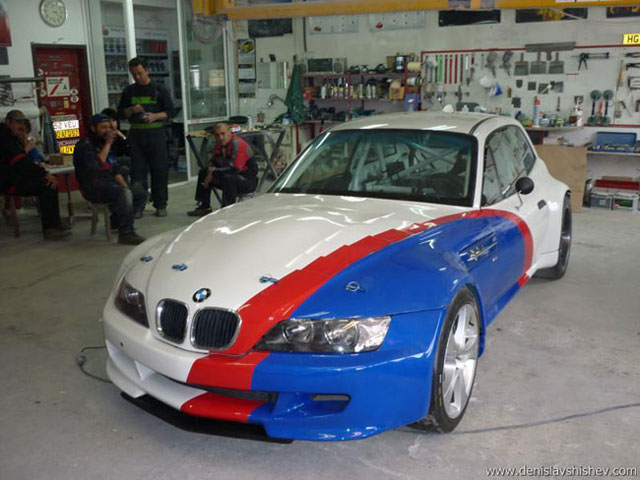 Ambitious 18 Year Old Builds V10 Powered Bmw Z3 187 Autoguide Com News