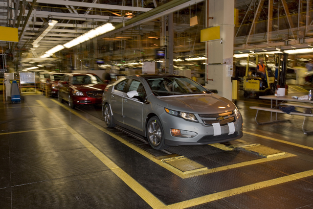 Gm to auction off first chevy volt donate proceeds to for Charity motors auction in detroit mi