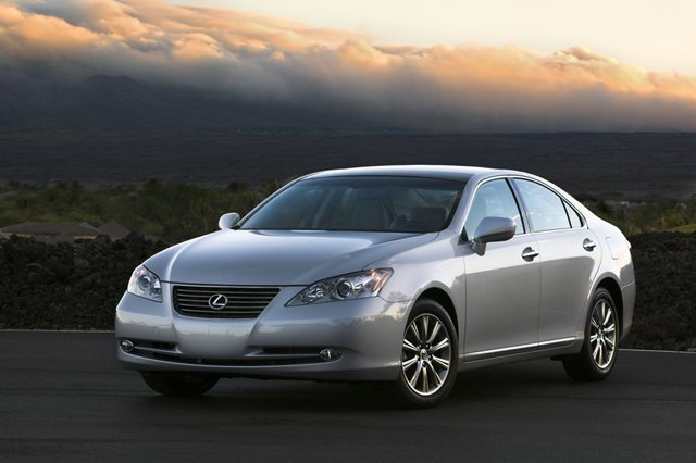 lexus es300h in the works suggests trademark filing news. Black Bedroom Furniture Sets. Home Design Ideas