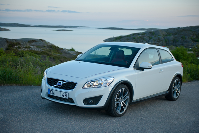 Volvo Xc30 Crossover Planned To Rival Bmw X1 Audi Q3