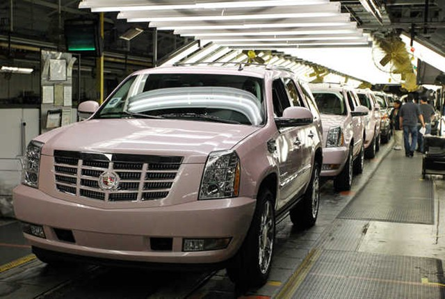 Mary Kay Upgrades To Pink Escalades 187 Autoguide Com News