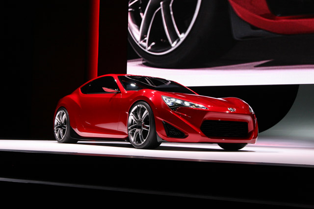 scion fr s redefines sex appeal 2011 nyas video news. Black Bedroom Furniture Sets. Home Design Ideas