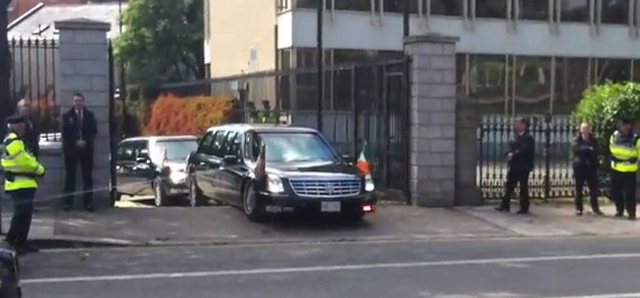President Obama S Limo Bottoms Out At American Embassy In