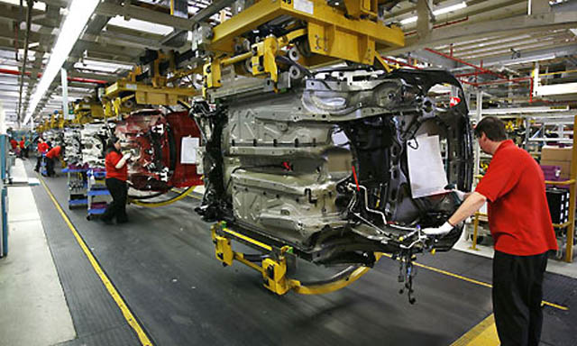 Gm Adds Two Shifts 2 500 Jobs To Detroit Hamtramck Plant