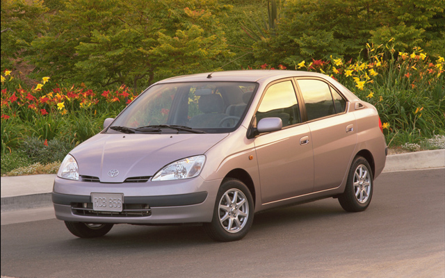 toyota prius recalled for power steering issue news. Black Bedroom Furniture Sets. Home Design Ideas