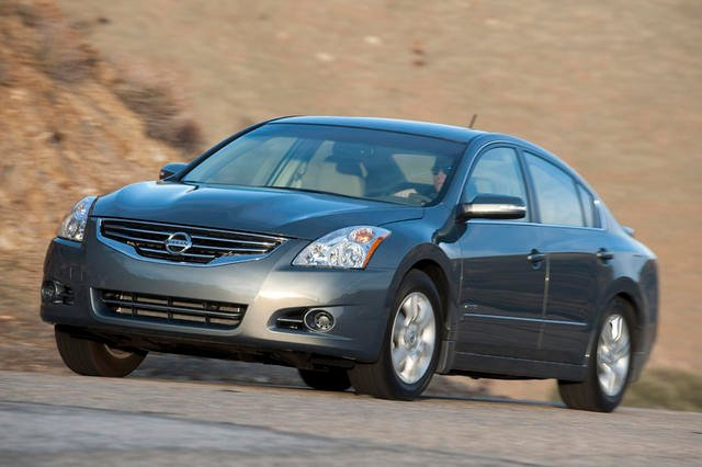 nissan altima hybrid gets the axe news. Black Bedroom Furniture Sets. Home Design Ideas