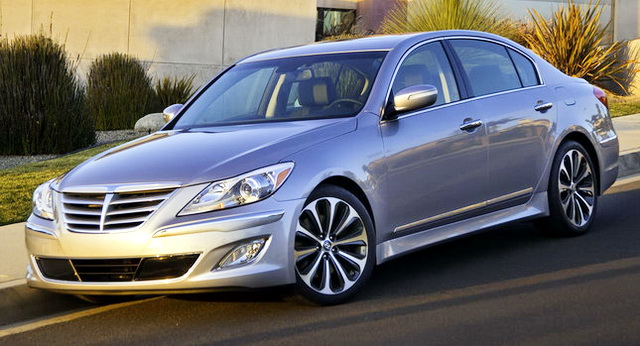 hyundai cutting 4 6l v8 from 2013 genesis sedan lineup news. Black Bedroom Furniture Sets. Home Design Ideas